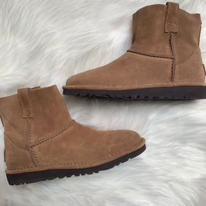New UGG Classic Unlined Mini Booties Size 5
